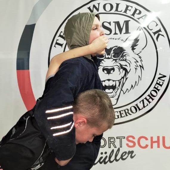 krav-maga-selbstverteidigung-schwitzkasten